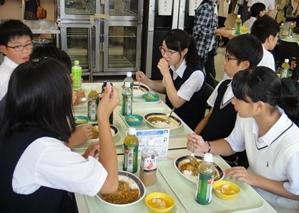 8-1.lunch.JPG